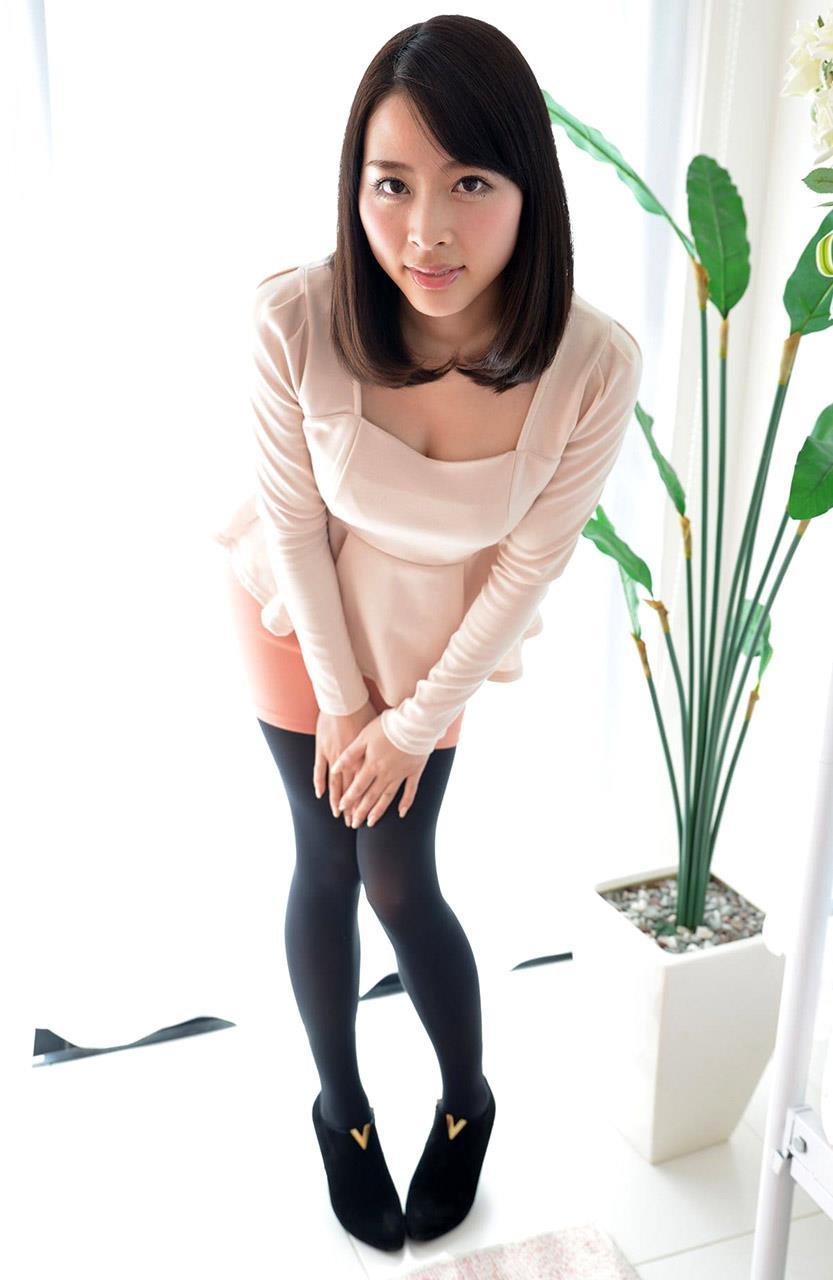本田岬 セレブ系お嬢様のブラチラやパンチラ画像