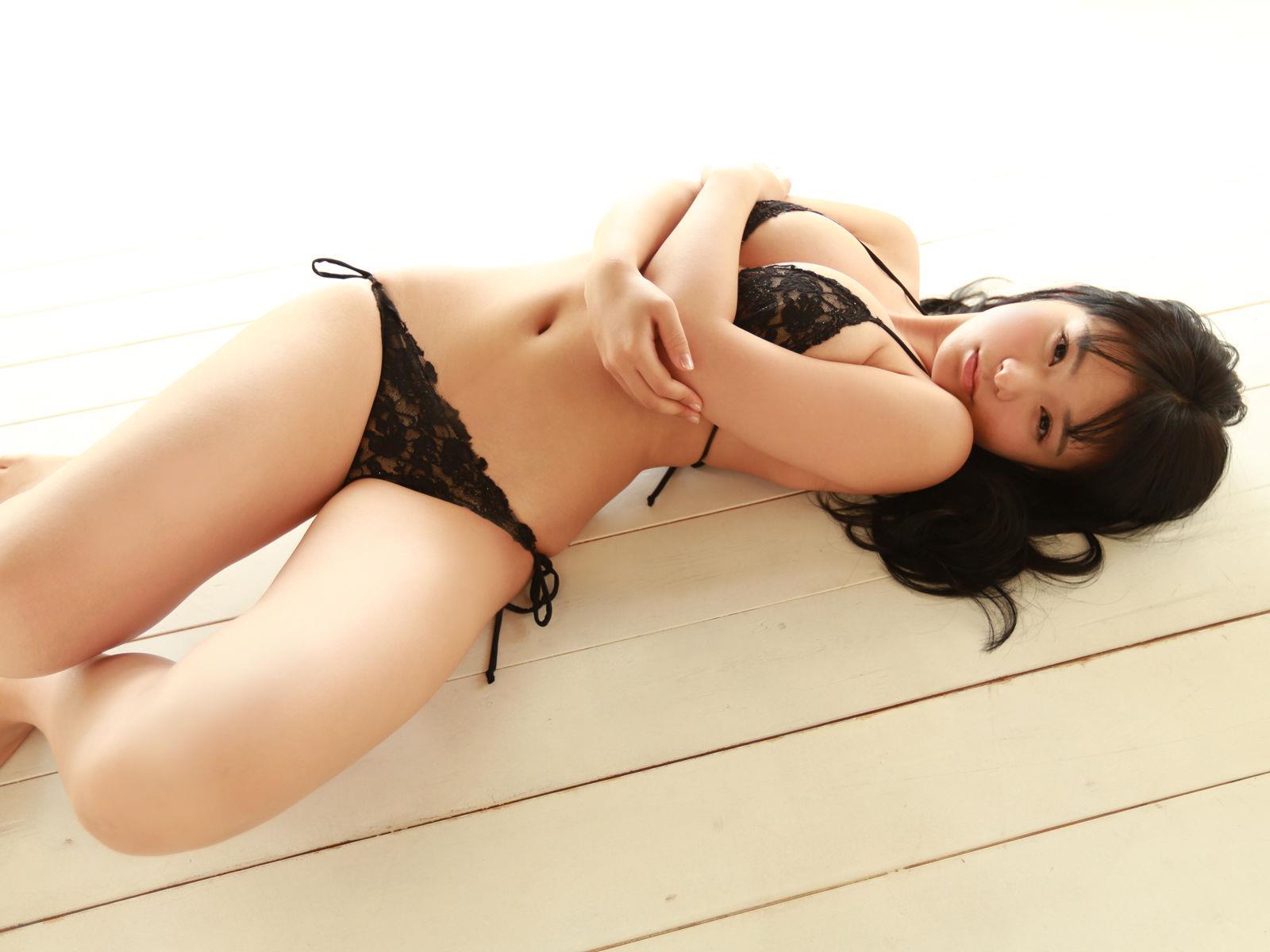 星名美津紀 セクシー画像 12