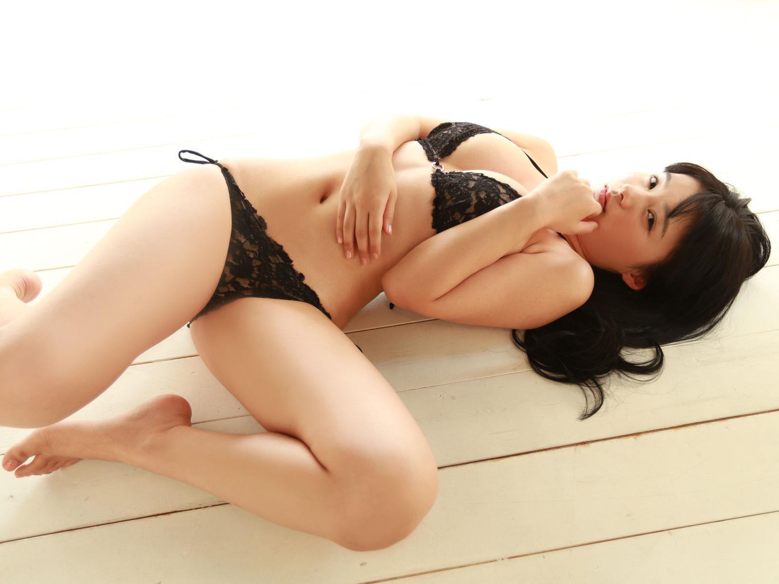 星名美津紀 セクシー画像 13