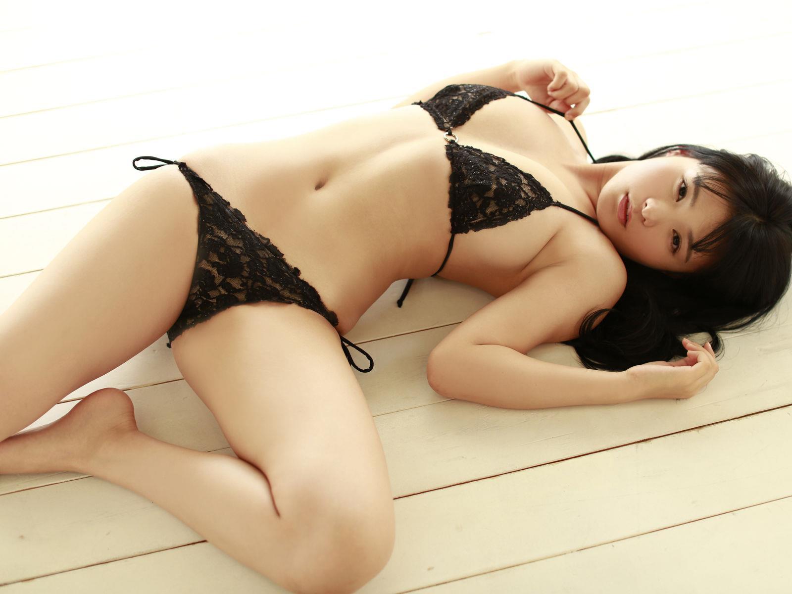 星名美津紀 セクシー画像 14