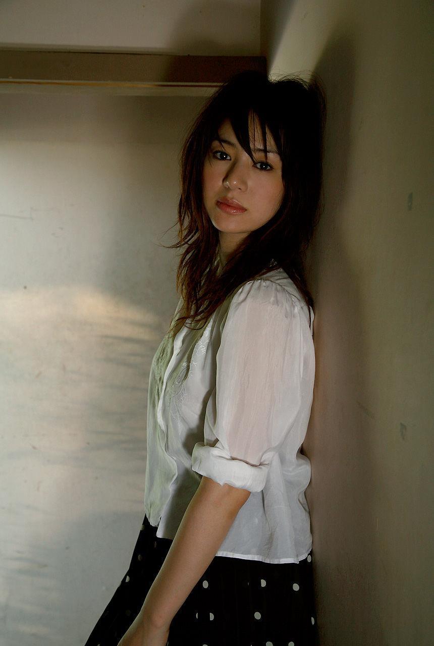 井川遥 人妻のエロスが過激な癒し系女優 エロ画像 70枚