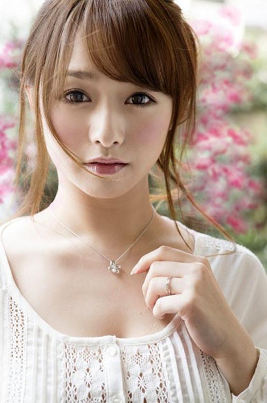 白石茉莉奈 エロ画像 No.1