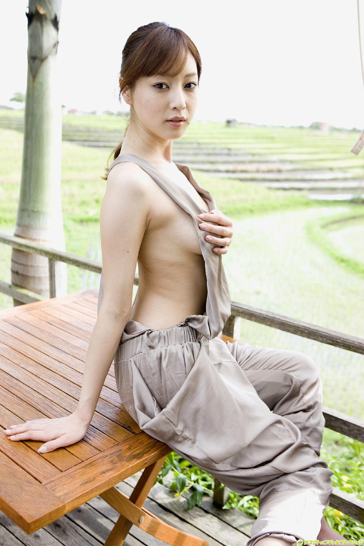 池田夏希 エロ画像 70