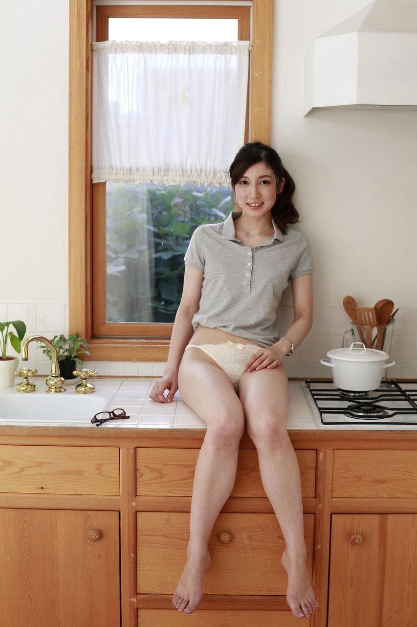 長谷川栞 セックス画像 86
