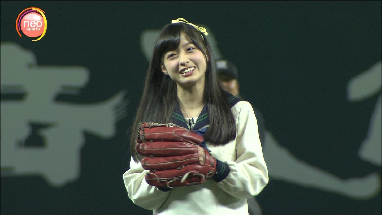 橋本環奈 始球式画像 250