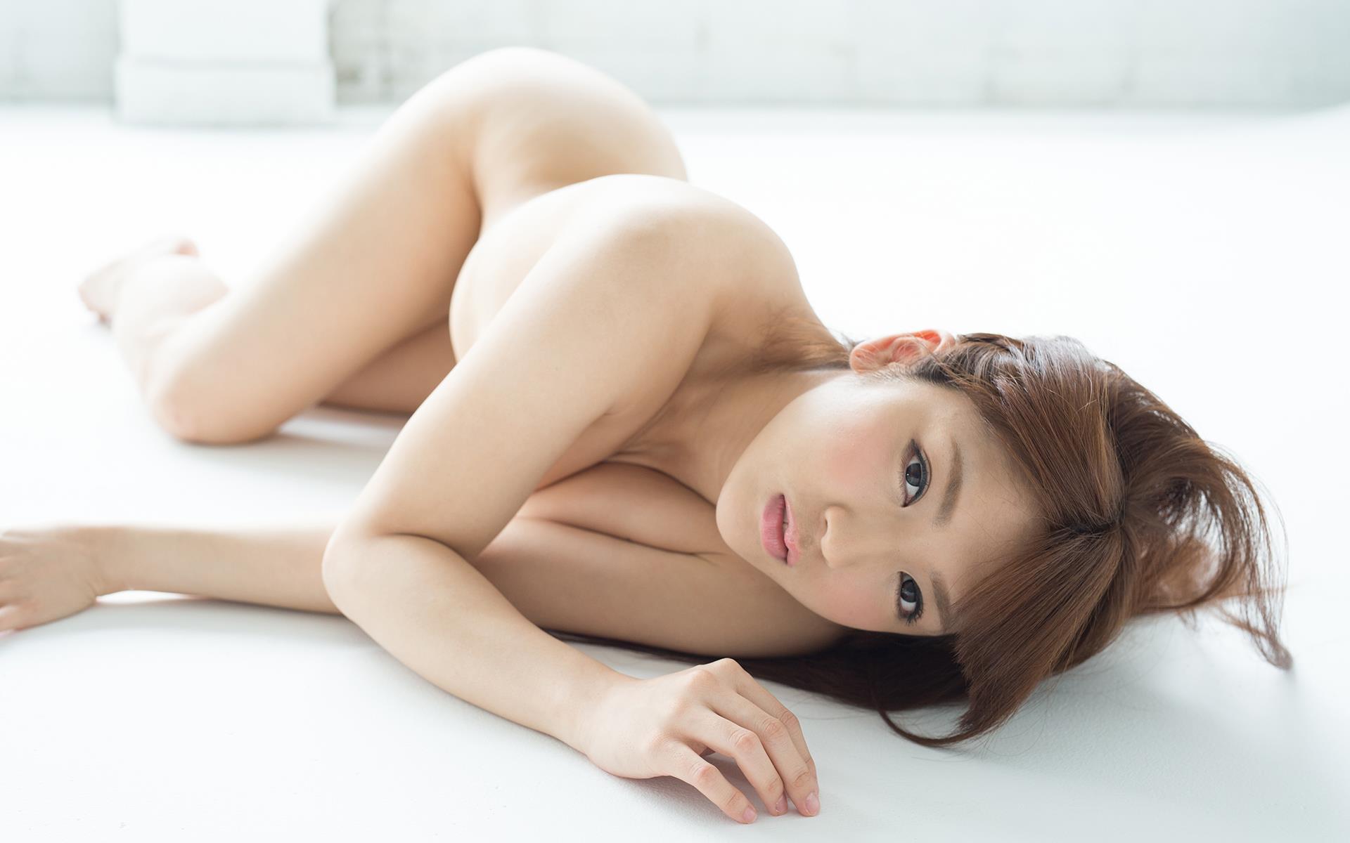 神咲詩織のムチムチなGカップ美巨乳ヌード画像