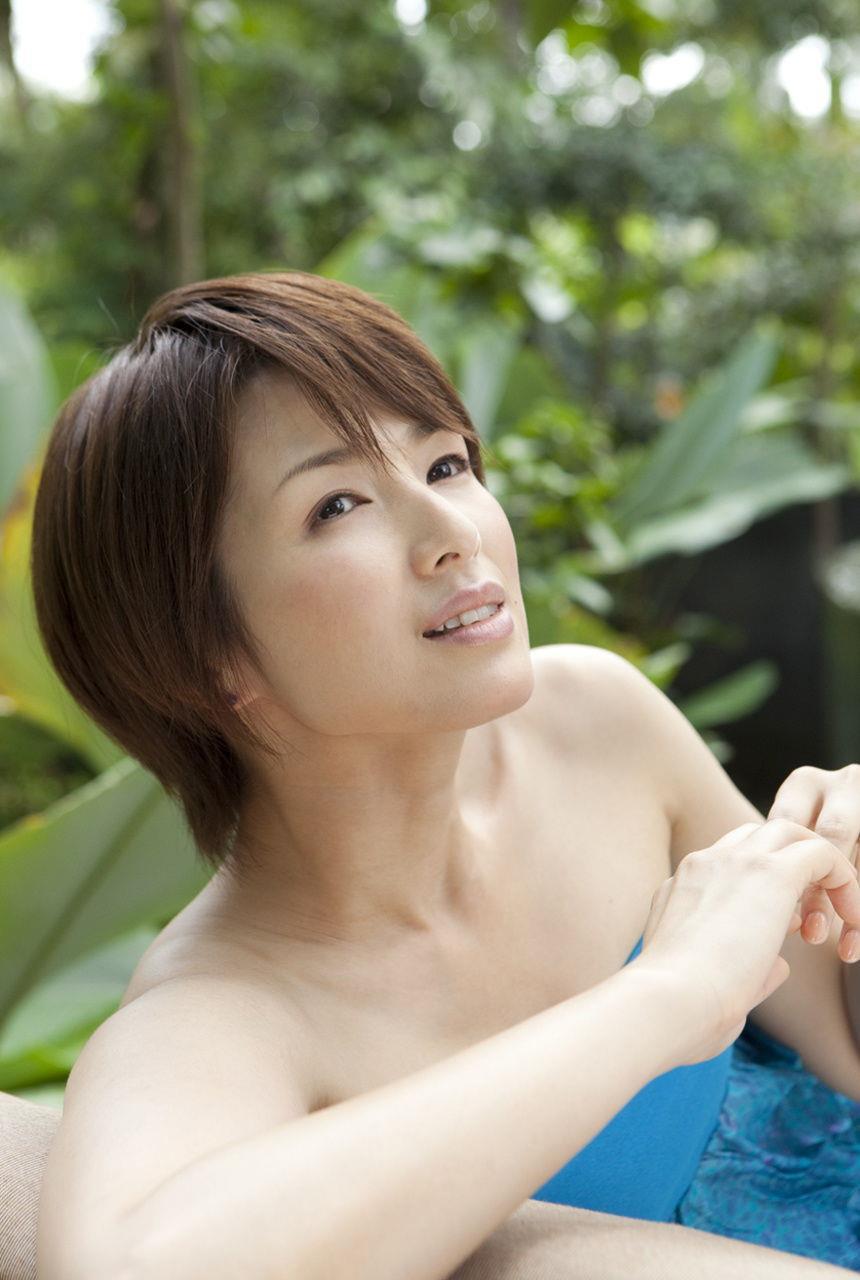 吉瀬美智子の肩