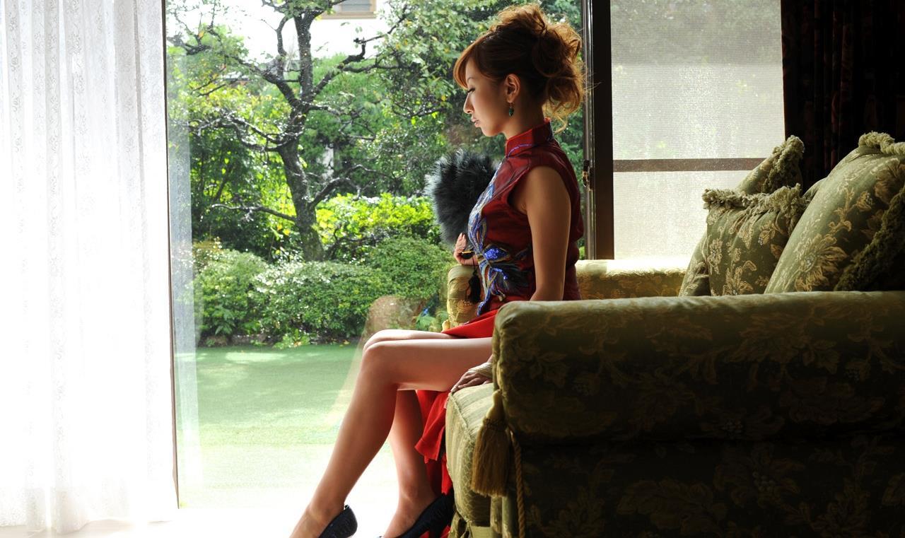 北川エリカ チャイナドレス画像 4