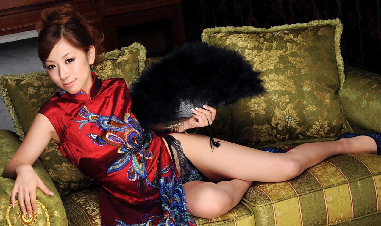 北川エリカ チャイナドレス画像