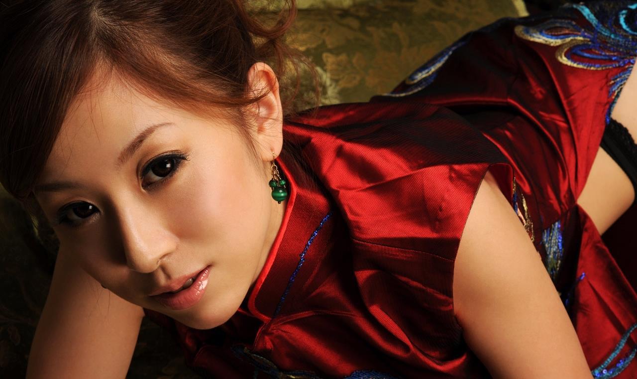 北川エリカ チャイナドレス画像 12