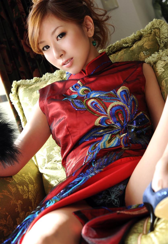 北川エリカ チャイナドレス画像 15
