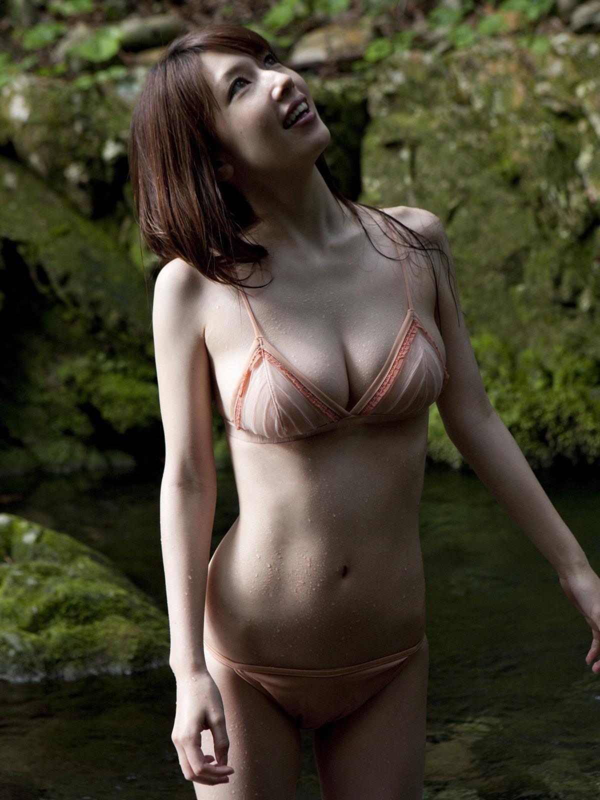 小林恵美 セミヌード画像 27