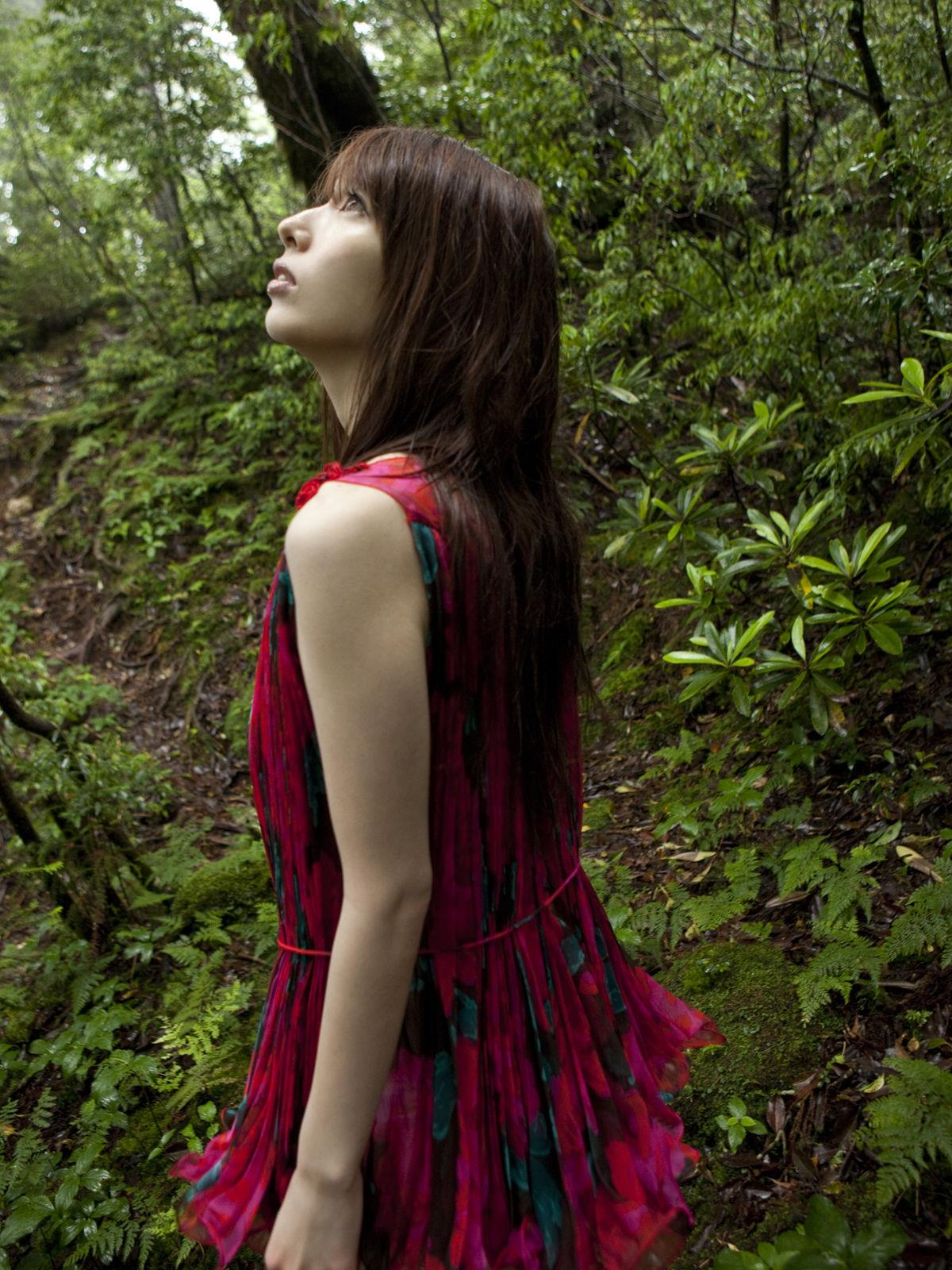 小林恵美 セミヌード画像 42