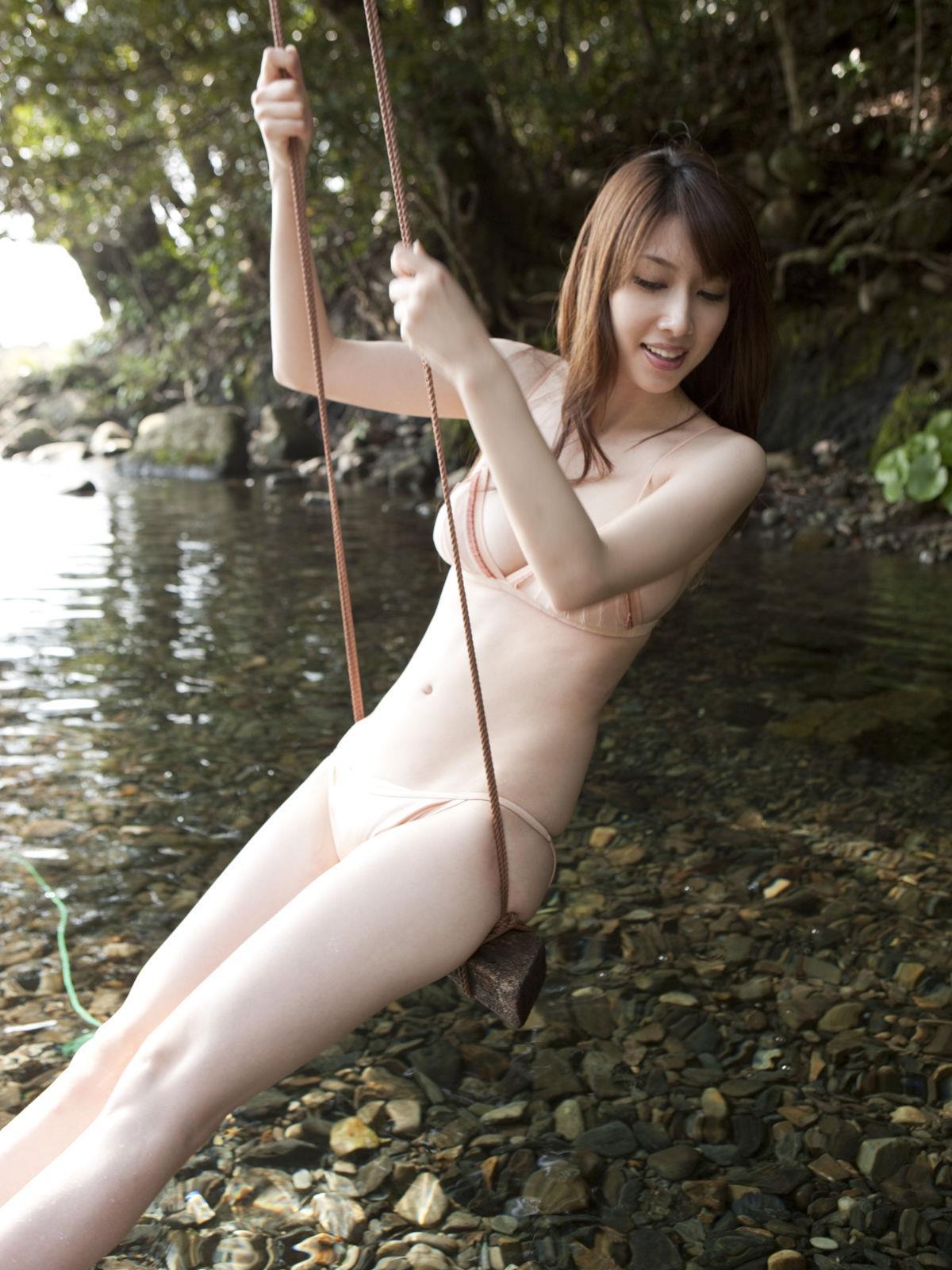 小林恵美 セミヌード画像 56