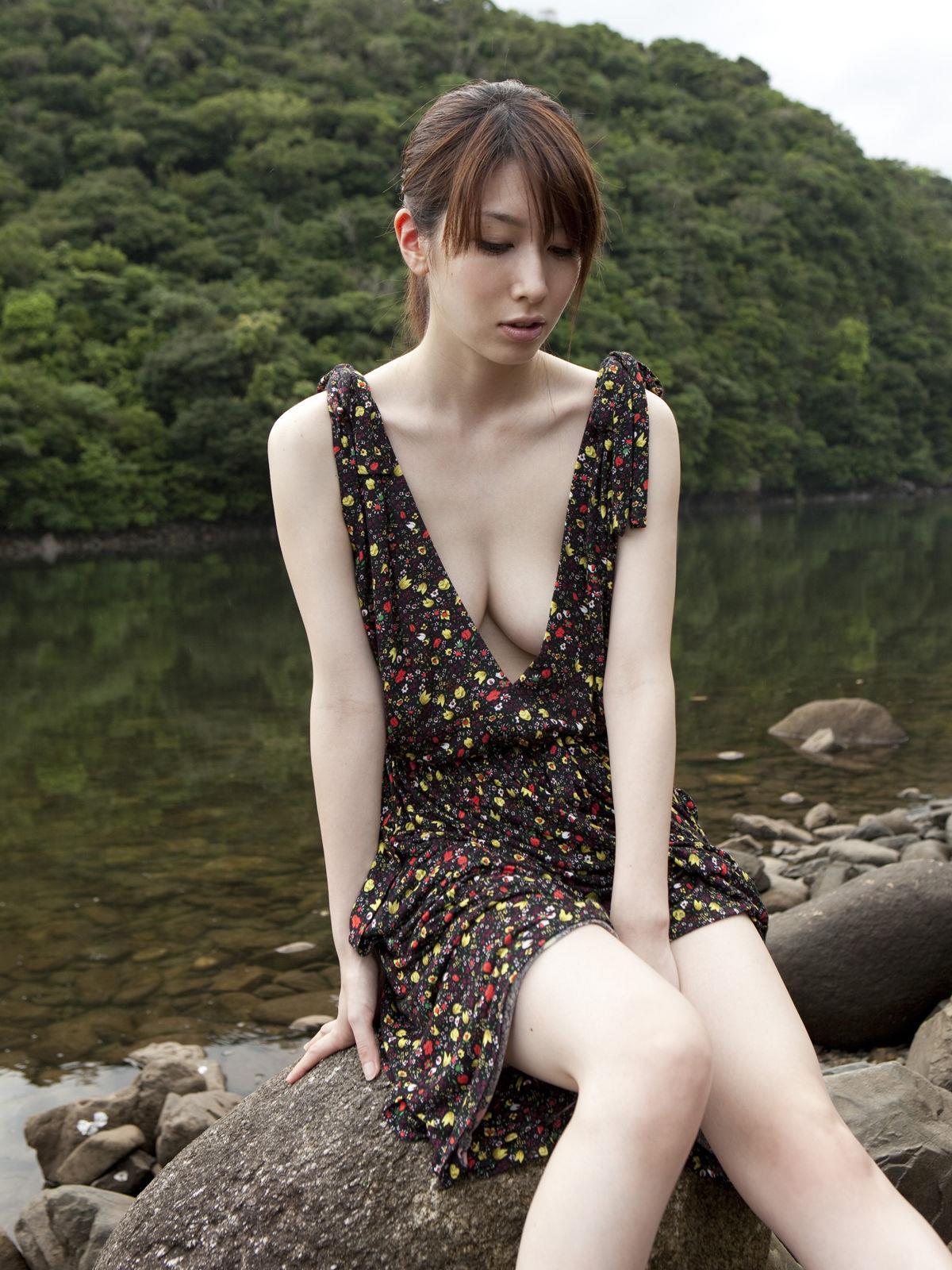 小林恵美 セミヌード画像 83