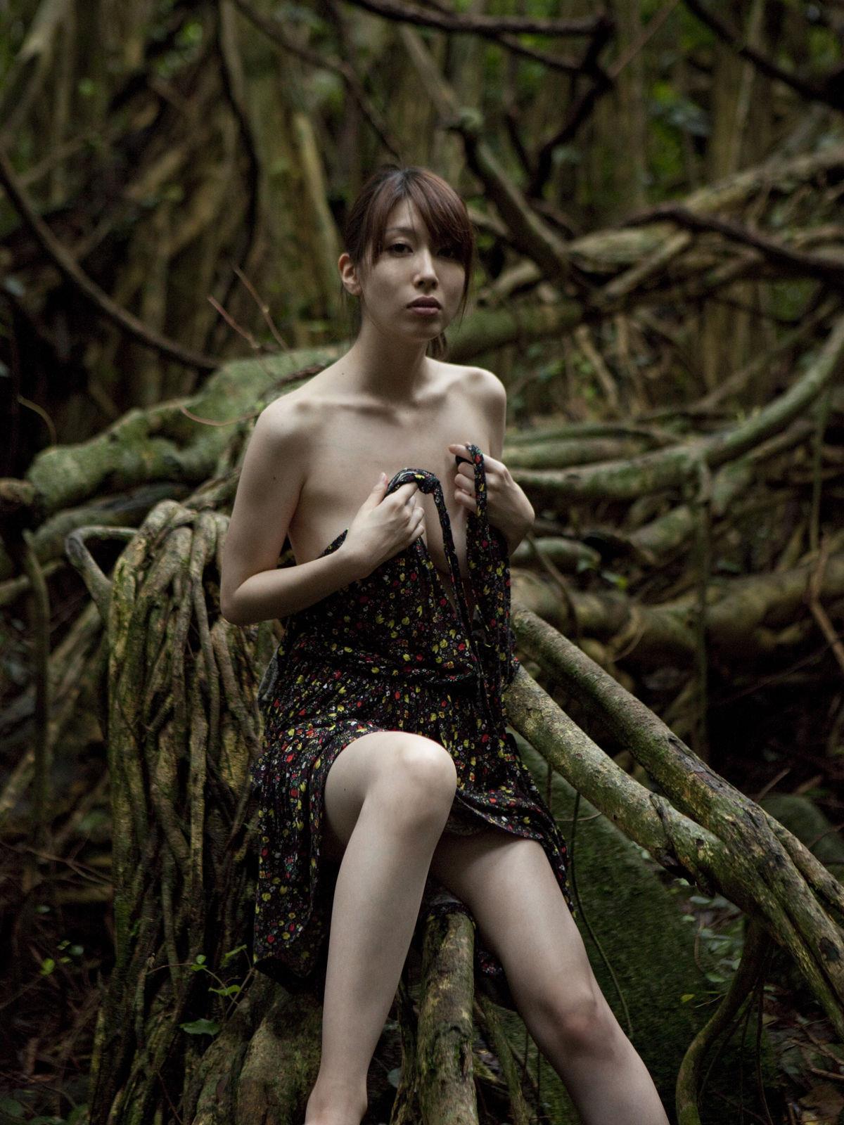 小林恵美 セミヌード画像 86