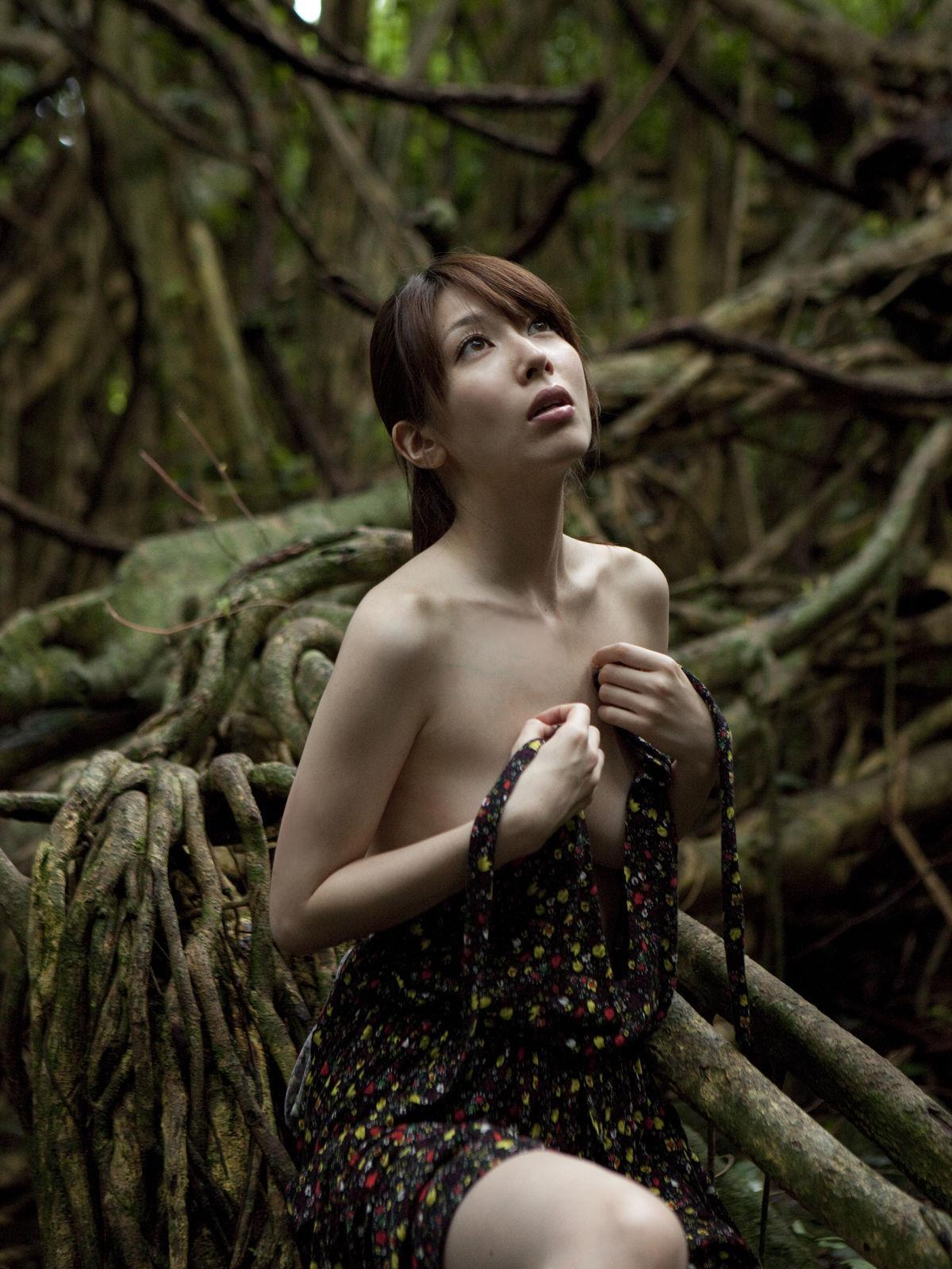 小林恵美 セミヌード画像 87