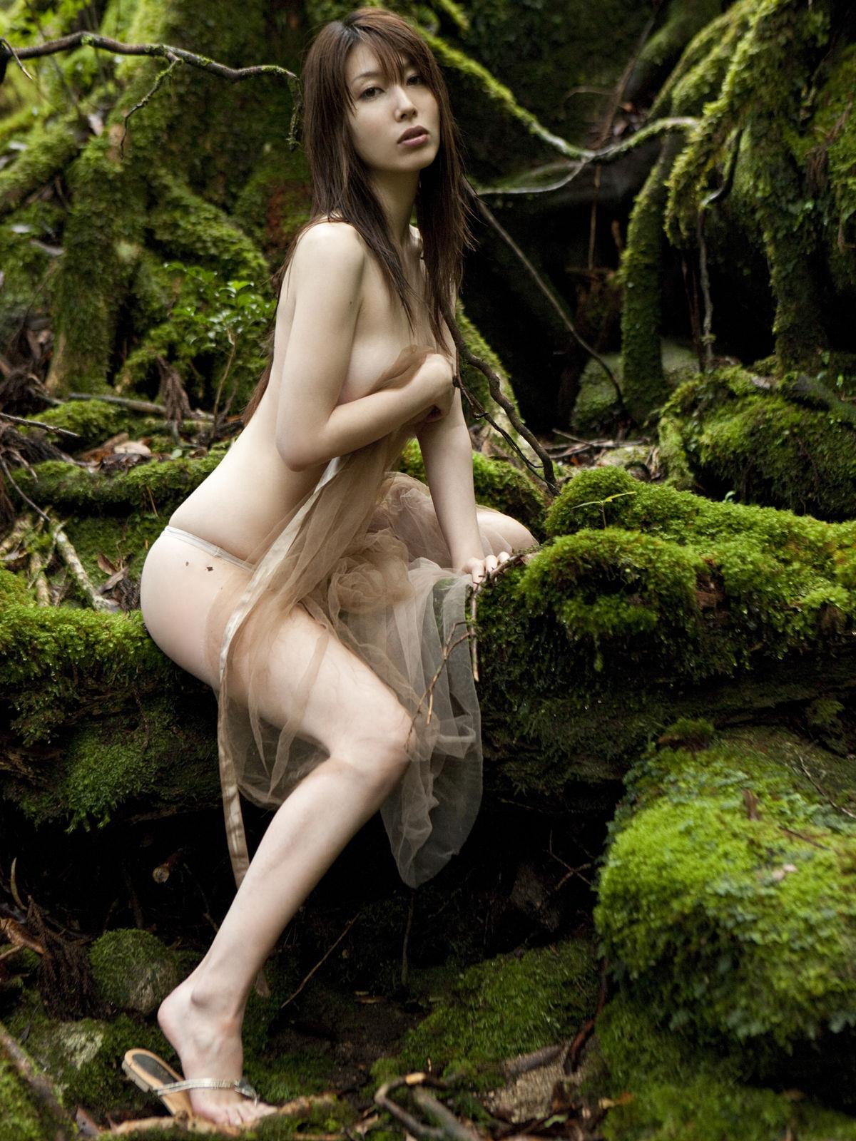 小林恵美 セミヌード画像 95
