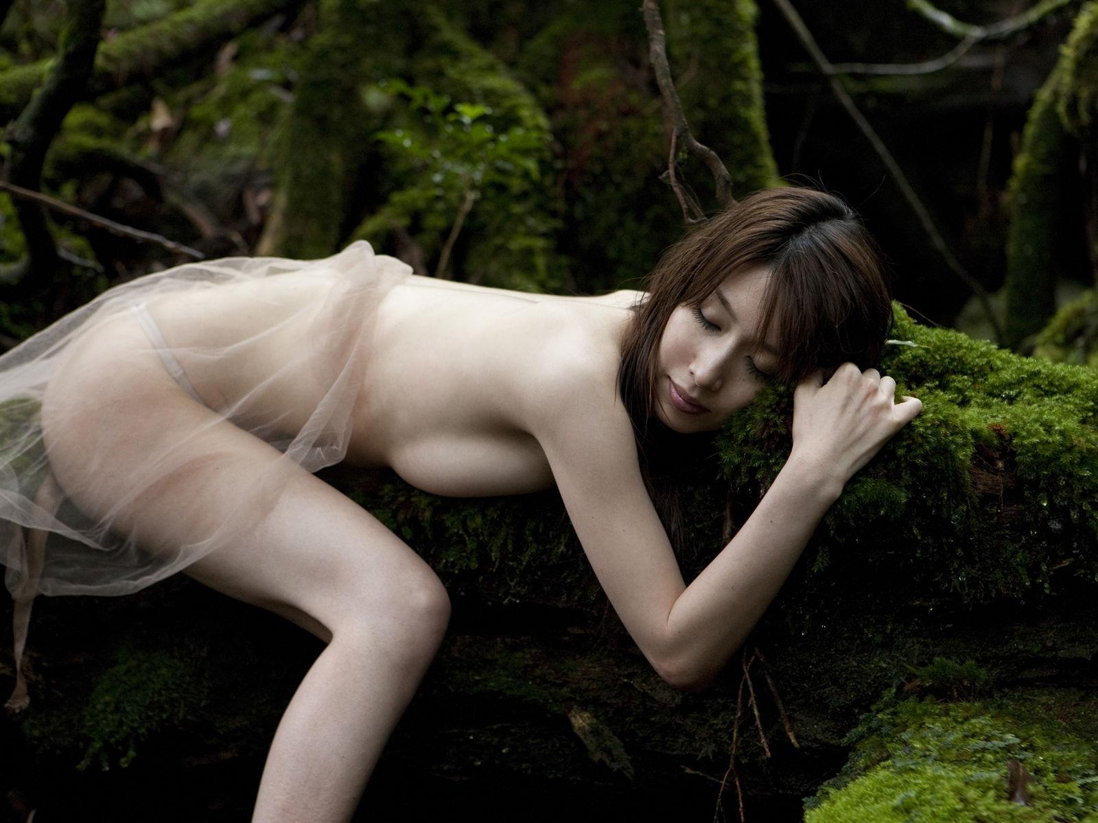 小林恵美 セミヌード画像 98