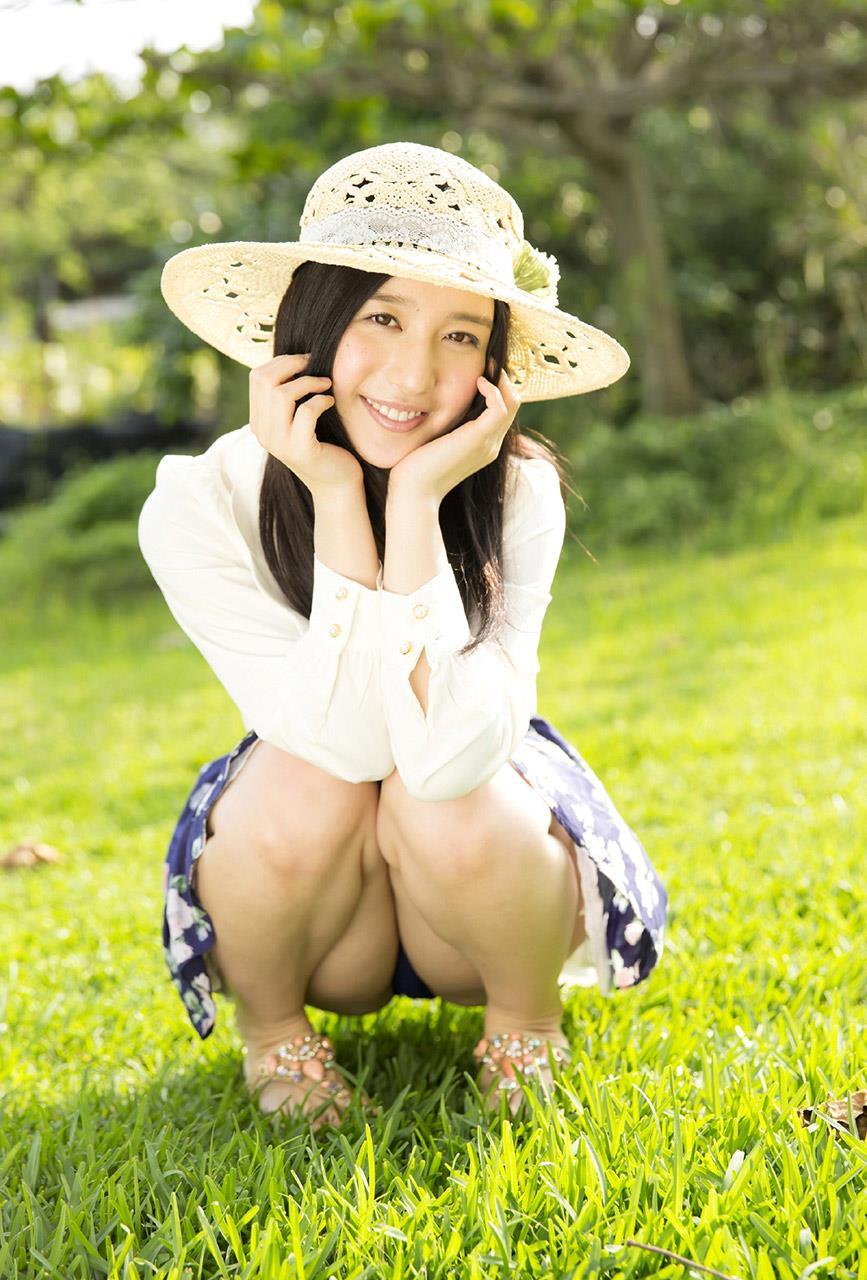 古川いおり 透け透けの白いワンピースに可愛い水着画像
