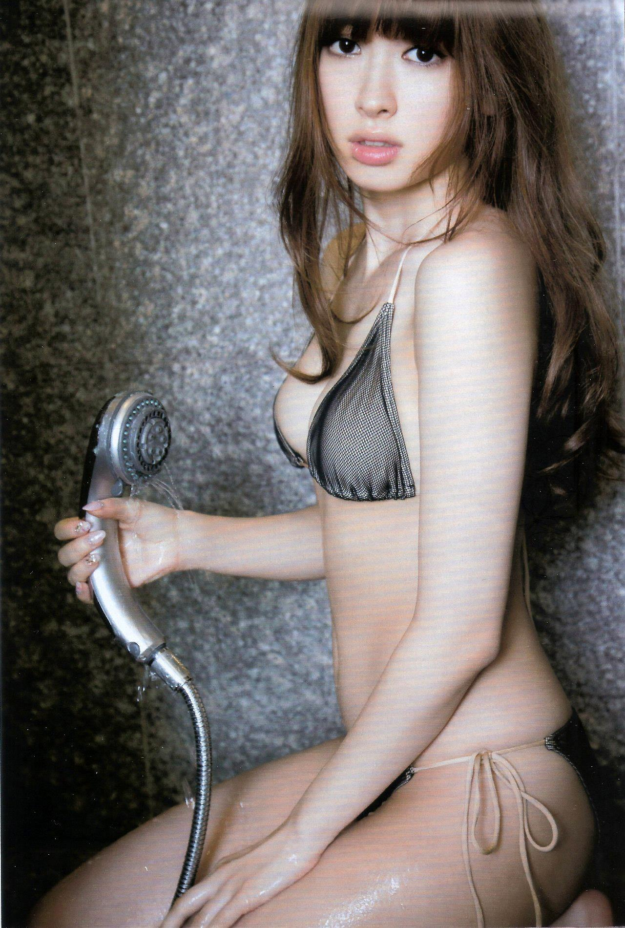 小嶋陽菜 水着画像 22