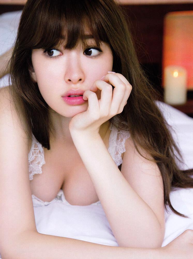小嶋陽菜 ランジェリー画像 43