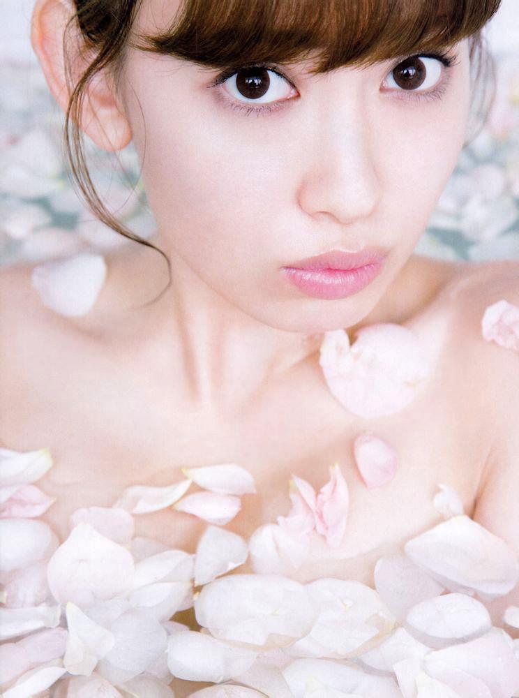 小嶋陽菜 ランジェリー画像 44