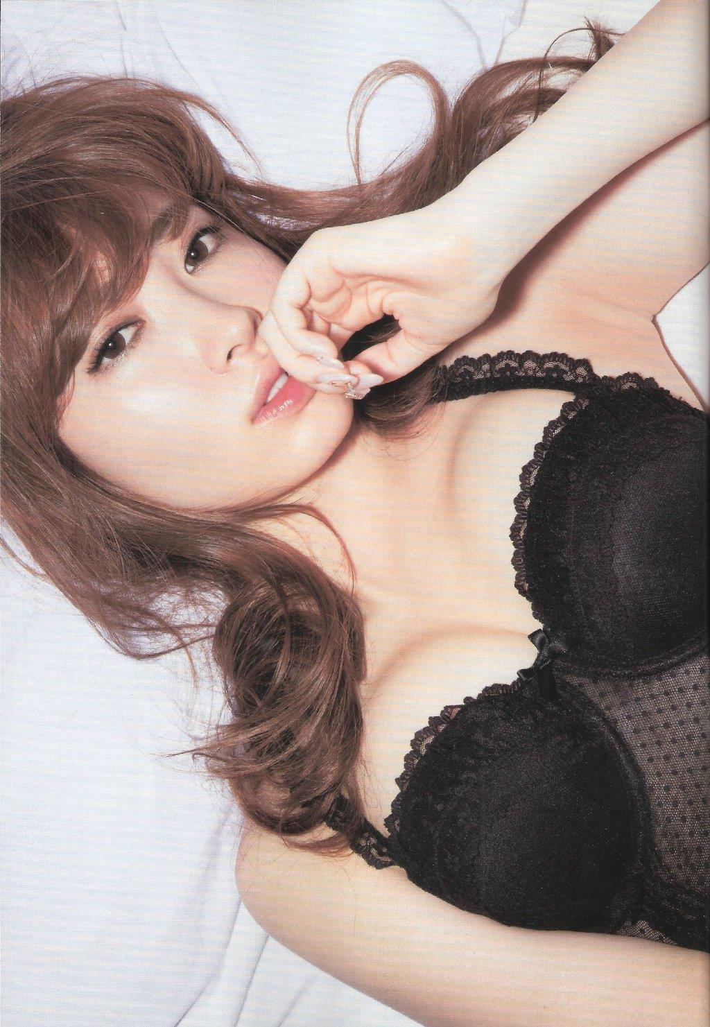 小嶋陽菜 ランジェリー画像 49