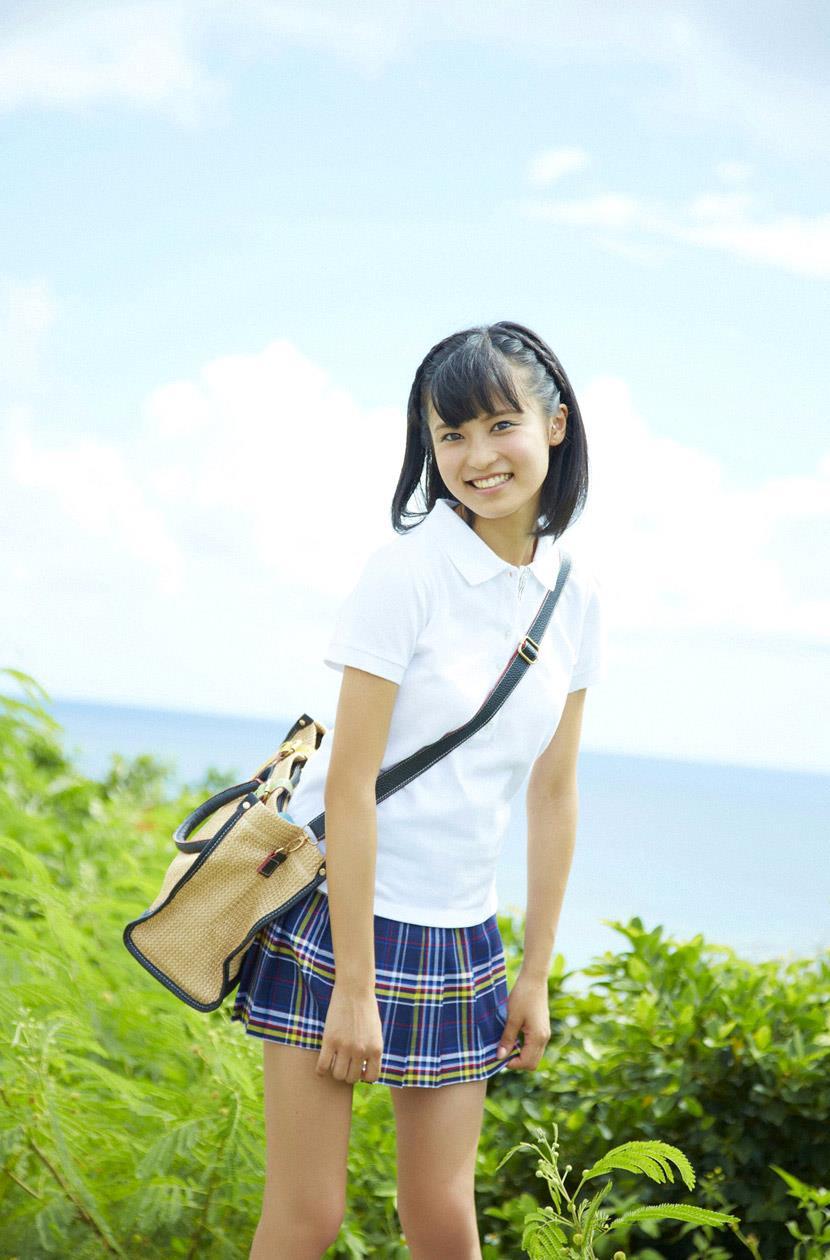 小島瑠璃子 エロ画像 1
