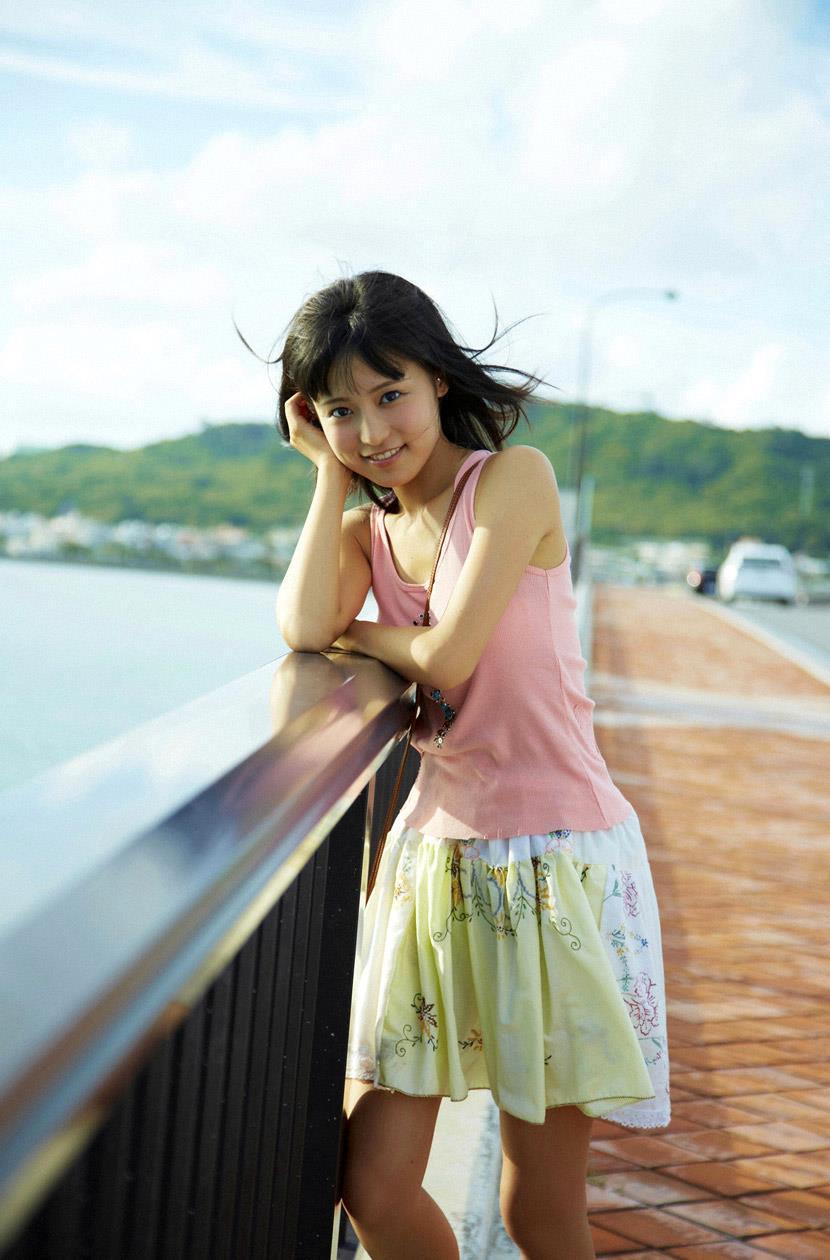 小島瑠璃子 エロ画像 41