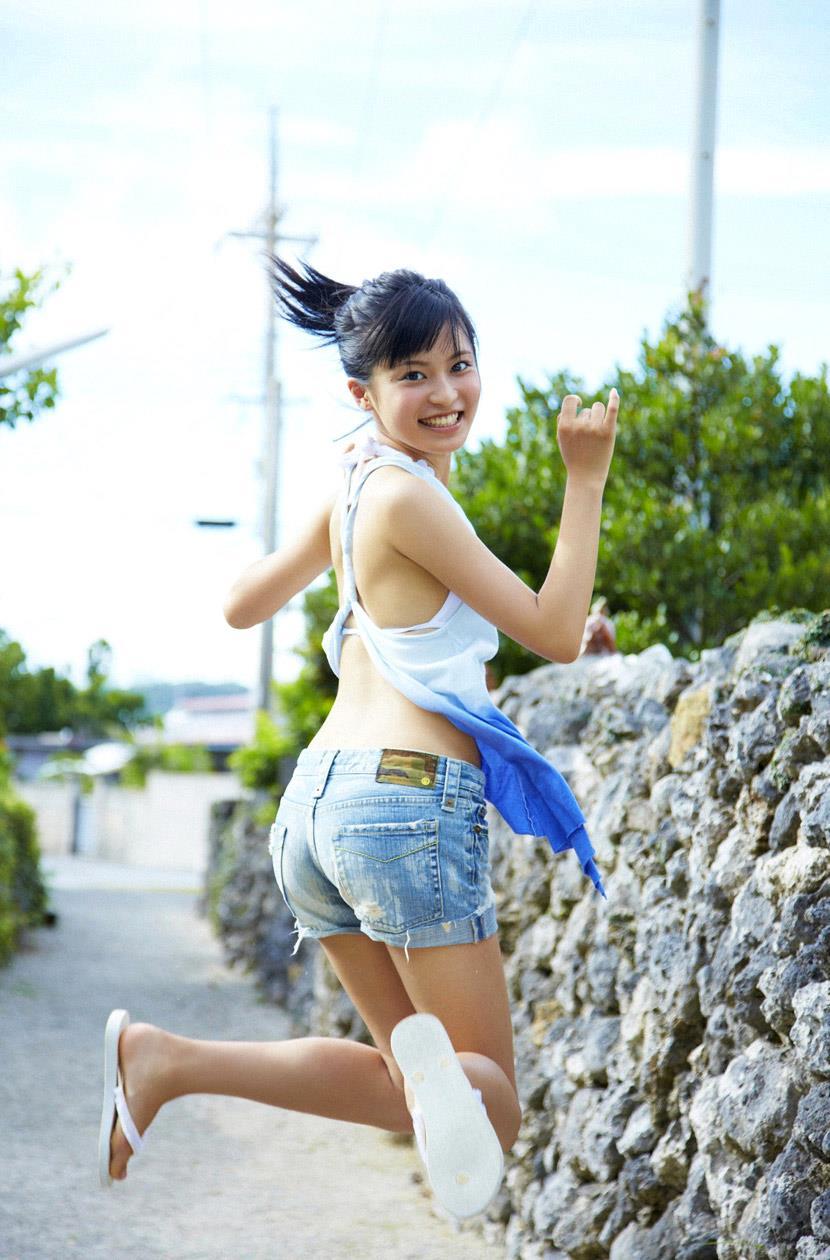 小島瑠璃子 エロ画像 45