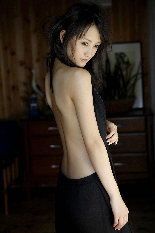 小松彩夏 セクシー画像 13