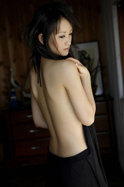 小松彩夏 セクシー画像 14