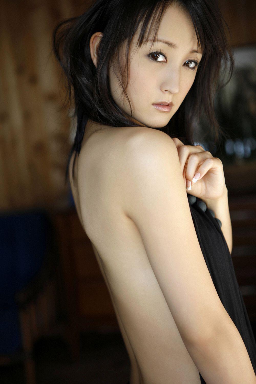 小松彩夏 セクシー画像 15