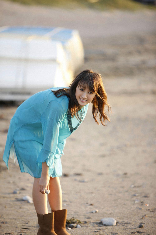 小松彩夏 セクシー画像 18