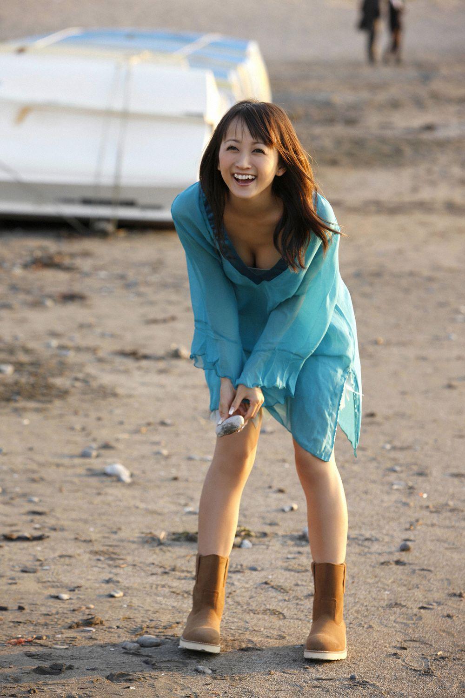 小松彩夏 セクシー画像 19