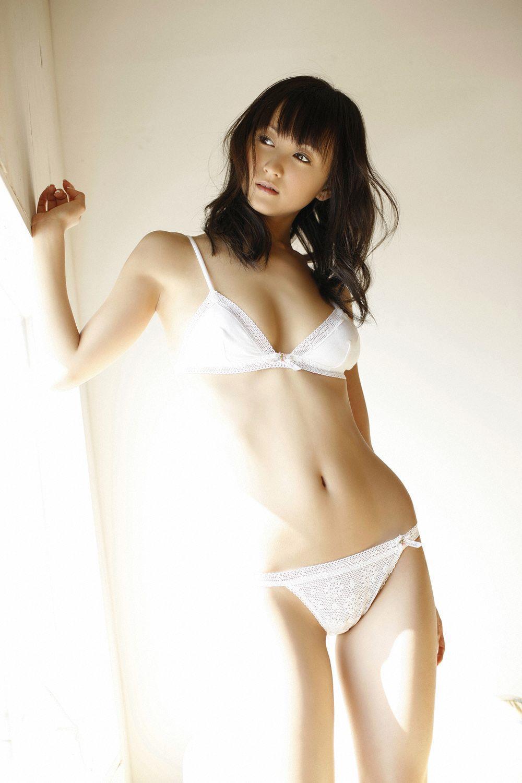 小松彩夏 セクシー画像 30