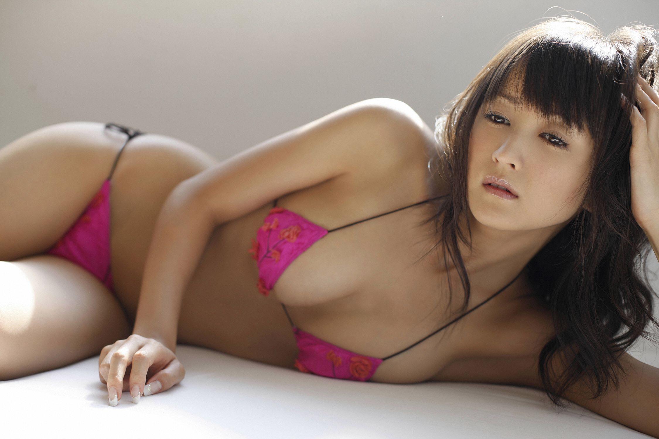 小松彩夏 セクシー画像 38