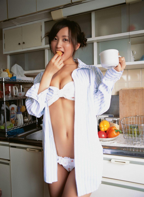小松彩夏 セクシー画像 71