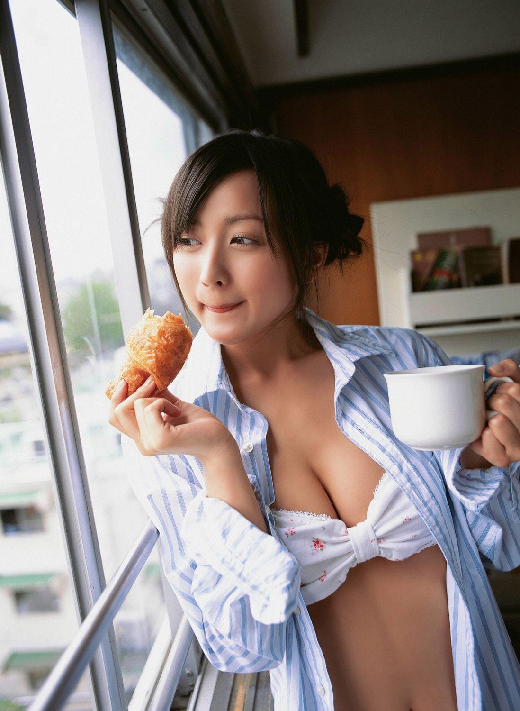 小松彩夏 セクシー画像 74