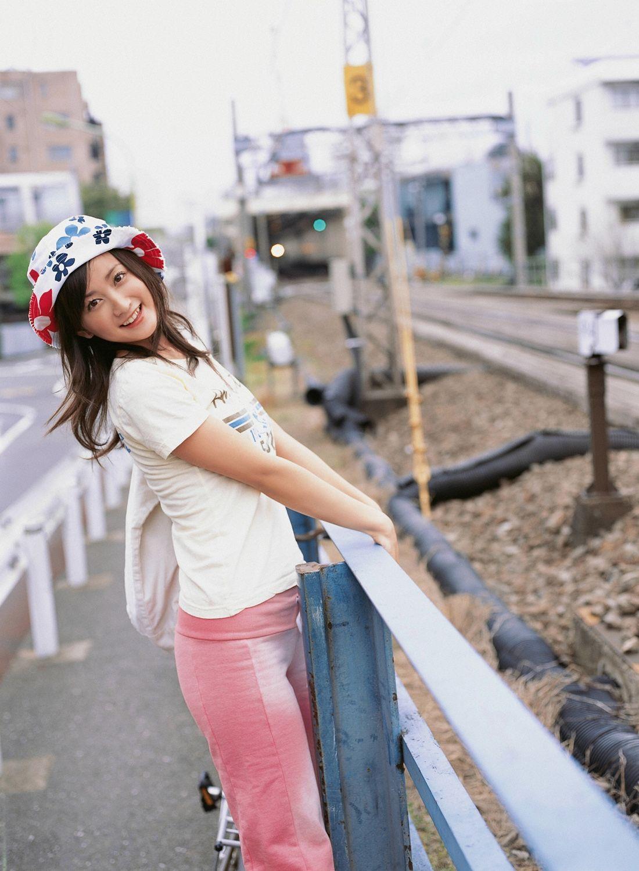 小松彩夏 セクシー画像 91