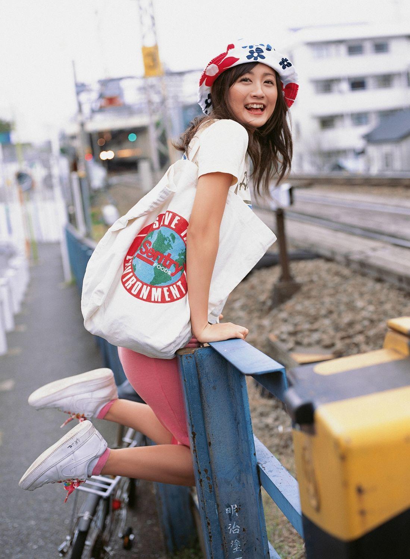 小松彩夏 セクシー画像 93