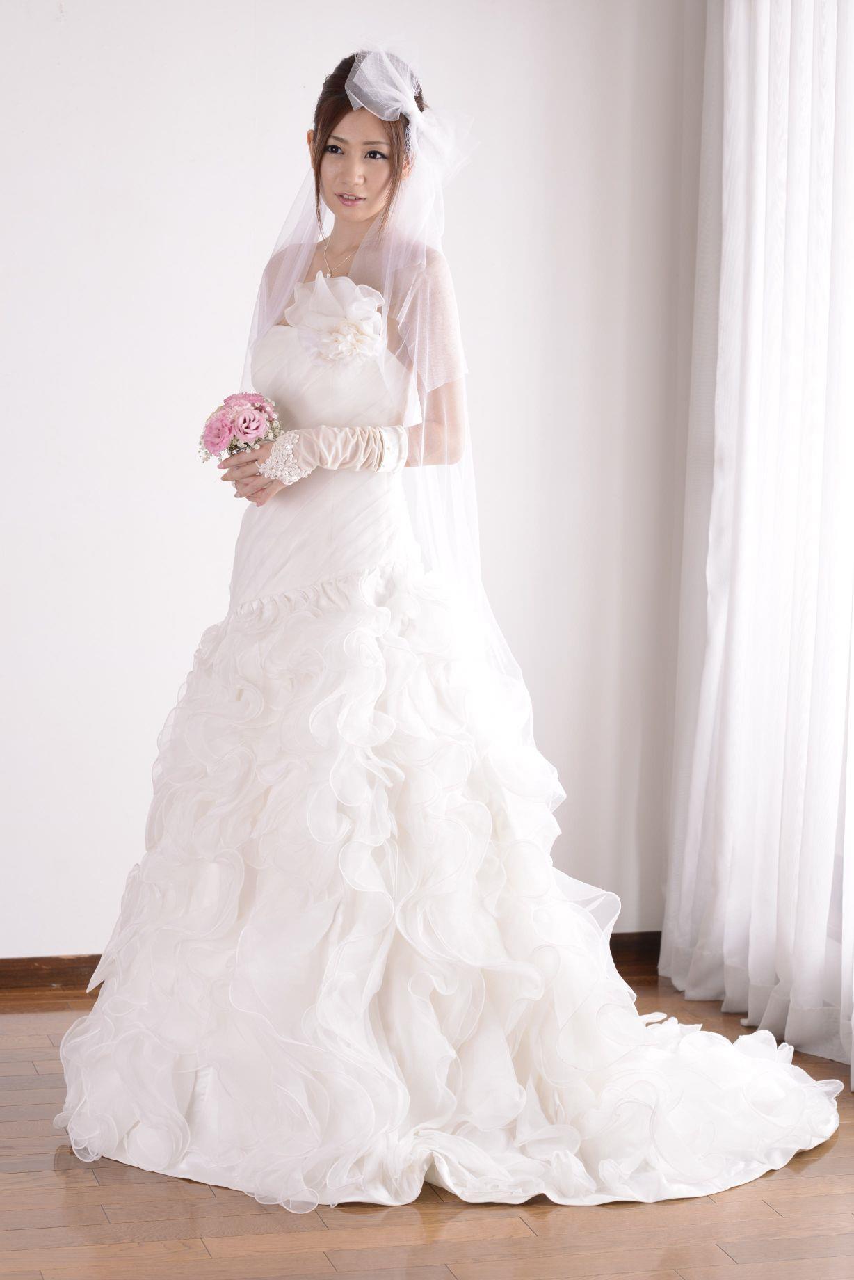 前田かおり ウェディングドレス画像 18