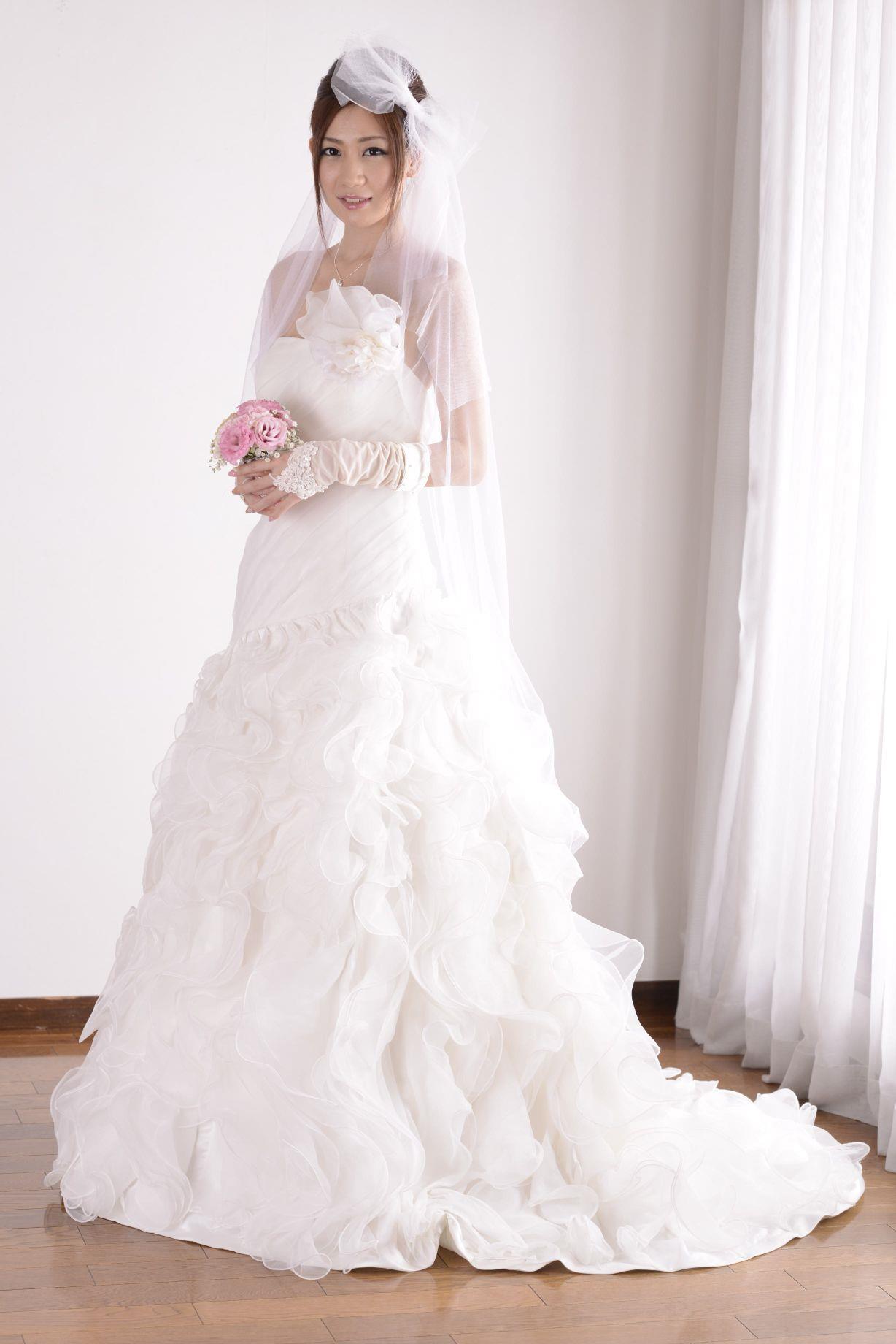 前田かおり ウェディングドレス画像 19