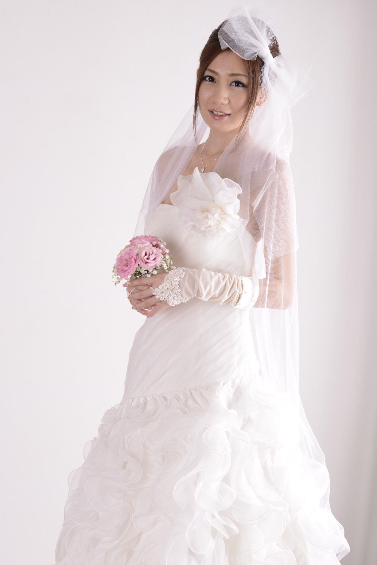 前田かおり ウェディングドレス画像 21