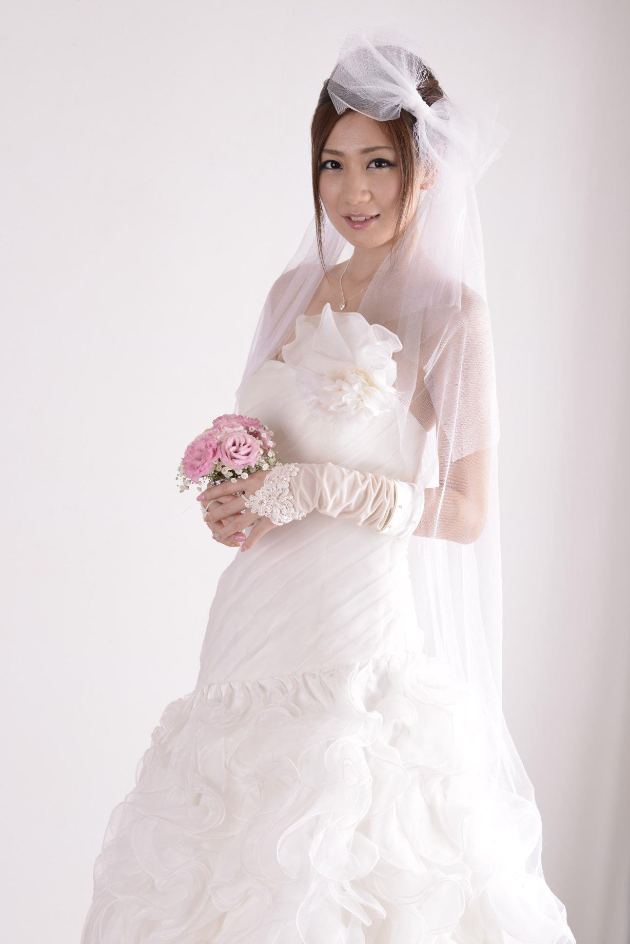 前田かおり ウェディングドレス画像 22