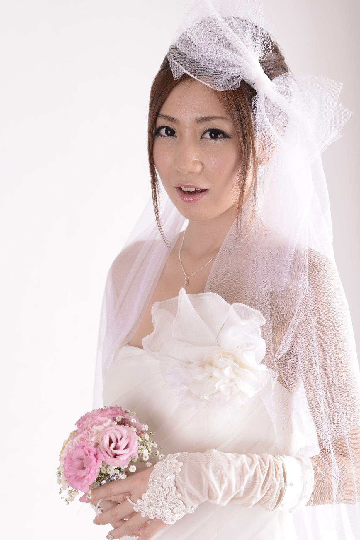 前田かおり ウェディングドレス画像 23