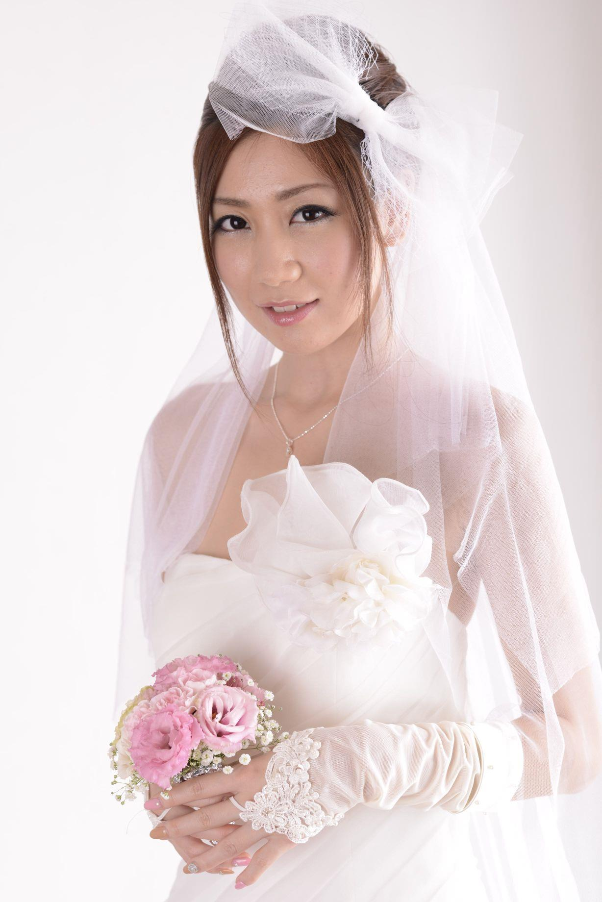 前田かおり ウェディングドレス画像 24