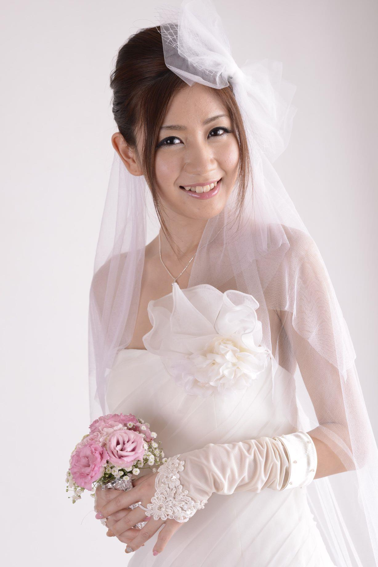 前田かおり ウェディングドレス画像 25