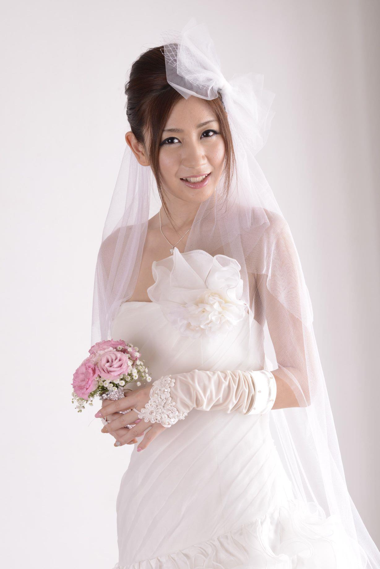 前田かおり ウェディングドレス画像 26